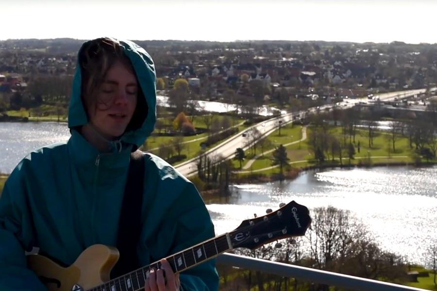 Billede fra musikvideoen